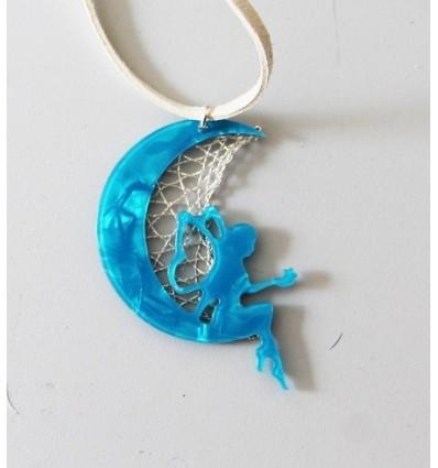 Colgante hada azul en la luna con patrón